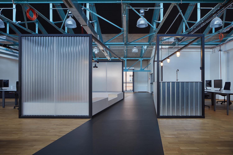 Kurz_architekti_SinnerSchrader_offices_BoysPlayNice_32