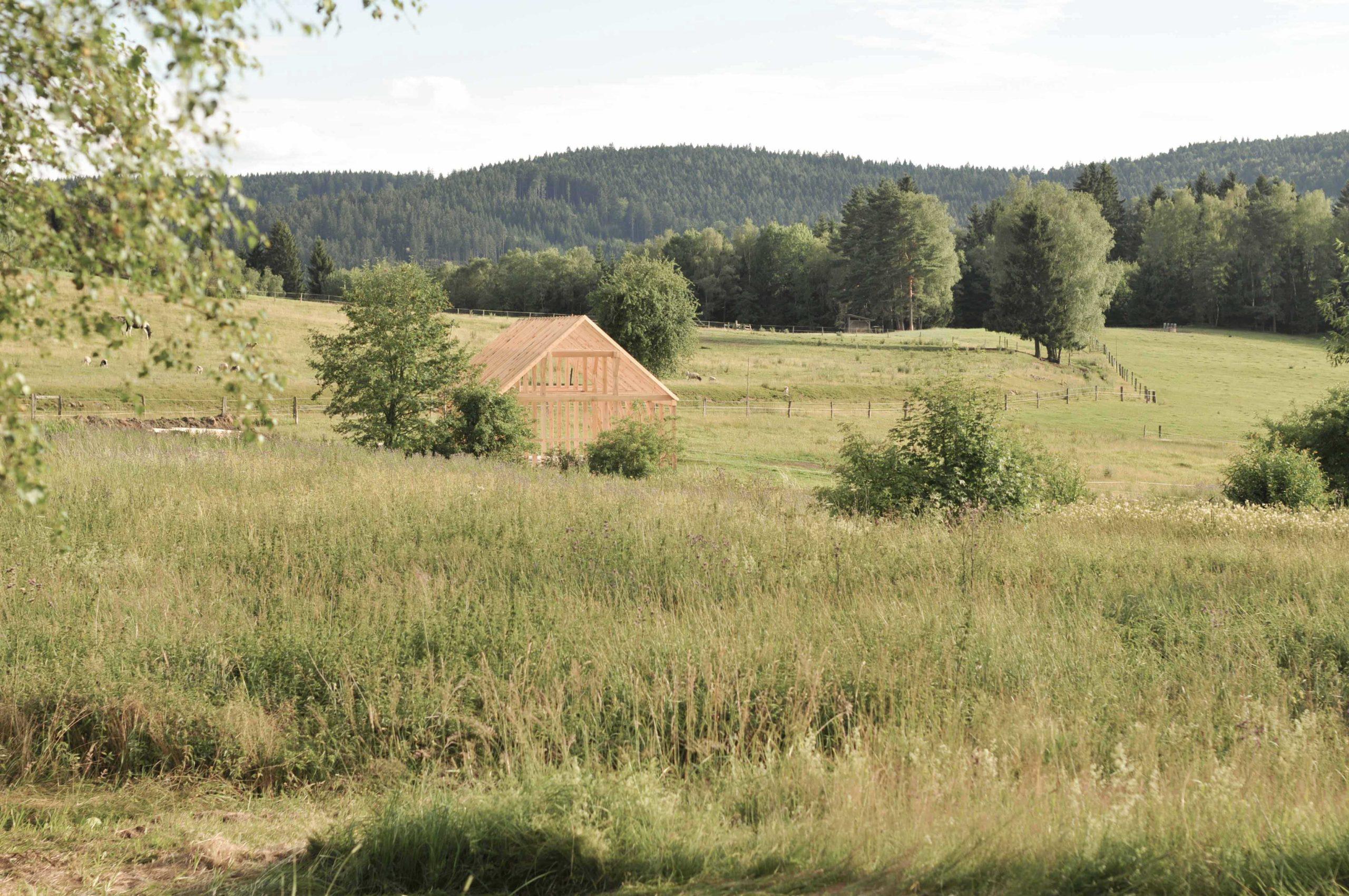 Stodola na ekofarmě Velký Jindřichov - vizualizace v krajině před jejím uskutečněním. Autor: Kurz architekti