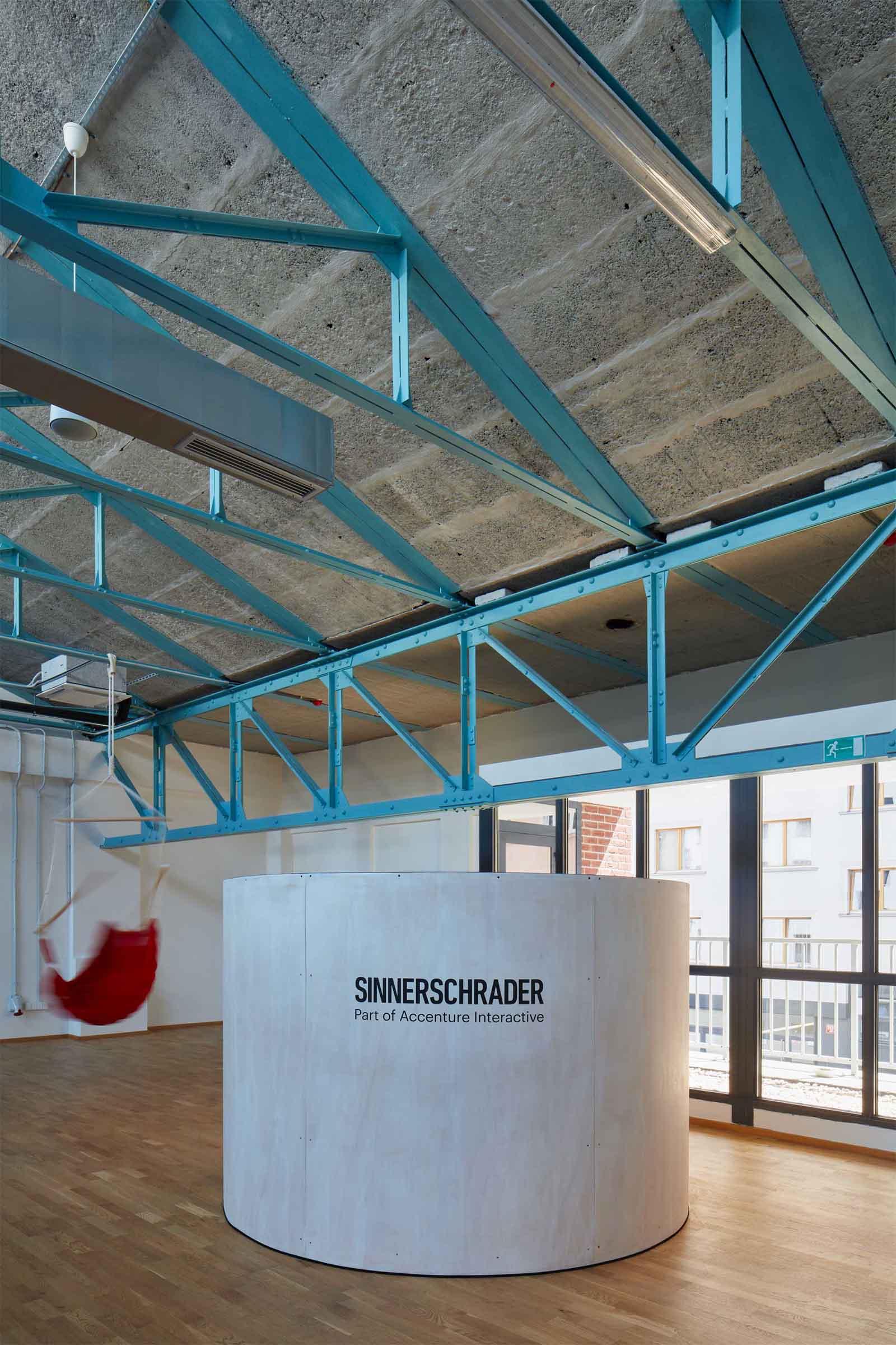 Kanceláře Sinnerschrader Praha - meeting box pro malou skupinku navržený na míru potřebám společnosti. Autor: Kurz architekti