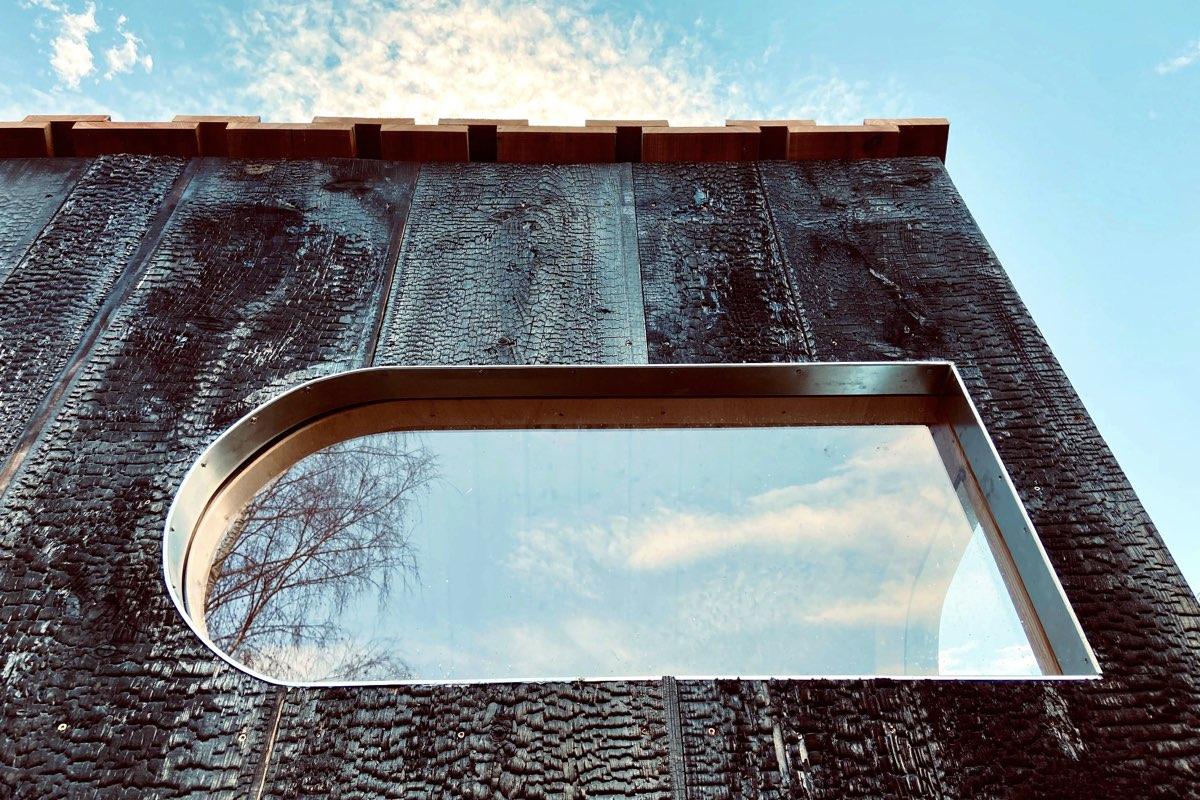 Sauna Yakisugi - detail sauny. Autor: KURZ architekti